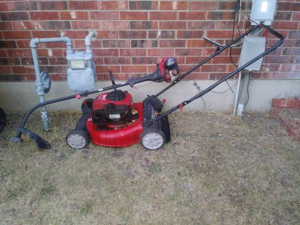 Photo Troy Built 21quot Mower and weed eater (Round Rock)