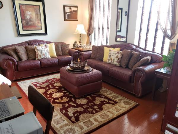Photo Two Beautiful Hancock  Moore Oxblood Leather Sofas with Ottoman - $950 (Shadowglen Golfing Community in Manor)