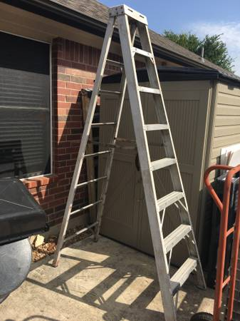 Photo Werner 8 ft fiberglass ladder - $85 (South Austin by I-35 and Slaughter)