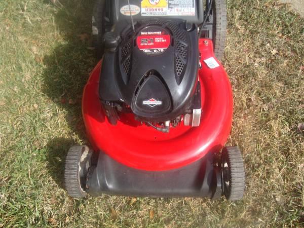 Photo Yard Machines mower 6.75 HP 21 inch - $80 (West Lake Hills)