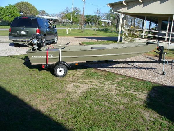 Photo mud boat - $3,200 (buchanan dam)