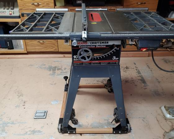 Photo 10 inch Craftsman table saw - $300 (Bakersfield)