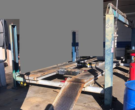 Photo 12000lb Alignment Rack with Rolling Jacks - $2500 (Simi Valley)