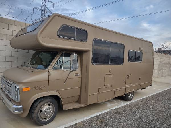 Photo 1987 Lazy Daze Chevy RV 44k Miles Only $12k - $12,000 (Bakersfield)