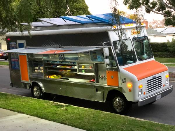 Photo 1991 Chevy Catering Food Truck For Sale with NEW Health Permit - $38000 (Beverly Hills, California)