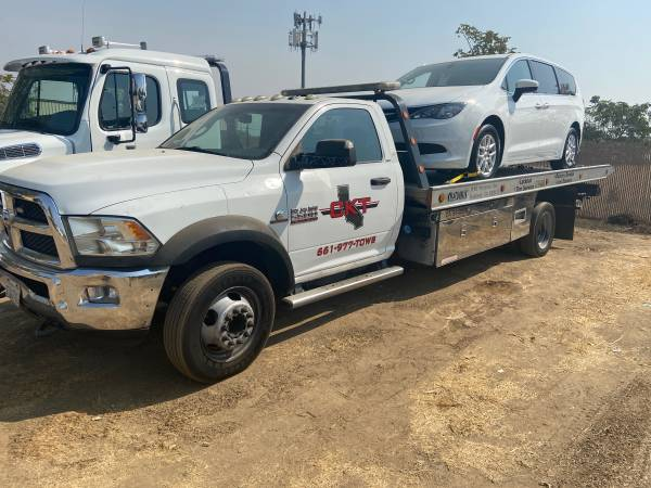 Photo 2015 DODGE RAM 5500 Tow Truck - $35,000 (Bakersfield)