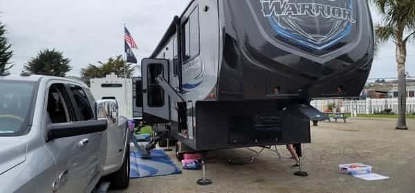 Photo 2016 heartland road warrior 415 fifth wheel - $57,500 (Bakersfield)