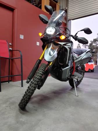 Photo 2018 Honda CRF 250L Rally ABS - $6,000 (Tehachaapi)