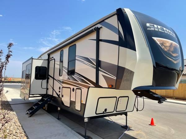 Photo 2020 Sierra 33RLIK Fifth Wheel - $56,500 (Shafter)