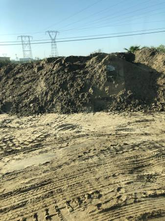 Photo Clean fill dirt - $100 (BAKERSFIELD)