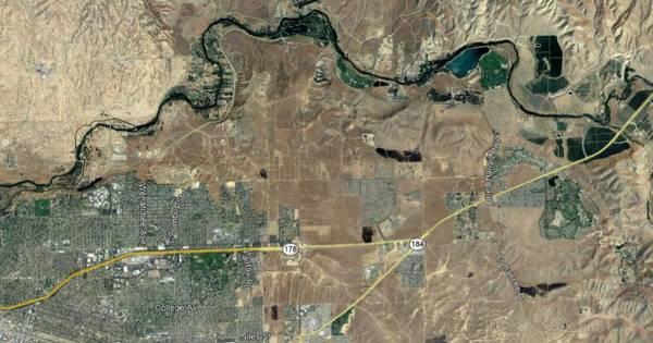 Photo FLAT LAND Level Vacant Land For New Homes (Bakersfield Z O N E D , R , 1 , T W E L V E , A C R E S)