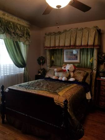 Photo FULLY FURNISHED MASTER BEDROOM FOR RENT (165 LOMBARDY LANE LEMOORE CA)