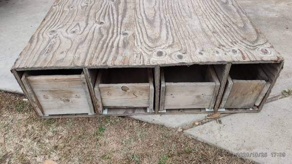 Photo Full Size Long Bed Truck Storage  Tool Box with 4 sliding drawers - $50 (SW Bakersfield)