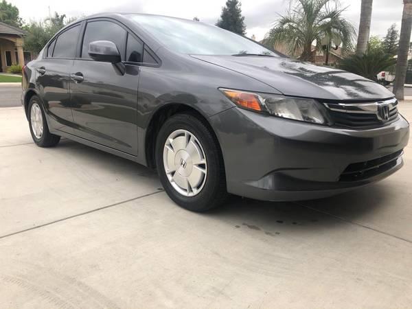 Photo Honda Civic - $8900 (Bakersfield)