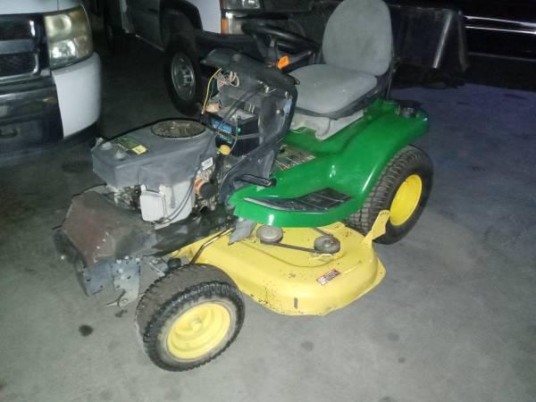 Photo John Deer X320 tractor mower - $2,000 (Bakersfield)