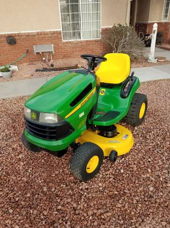 Photo John Deere Ride on Lawn Tractor - $800 (Tehachapi)