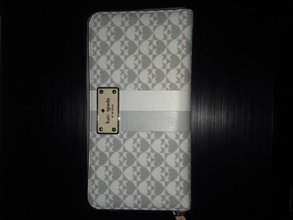Photo Kate Spade New York Margaux Pebble Leather Slim Continental Wallet - $90