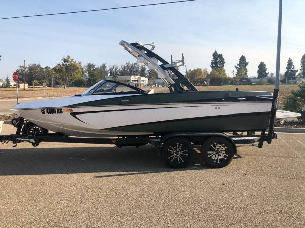 Photo Malibu WakeSetter boat (Great deal) - $49,999 (Santa Maria)