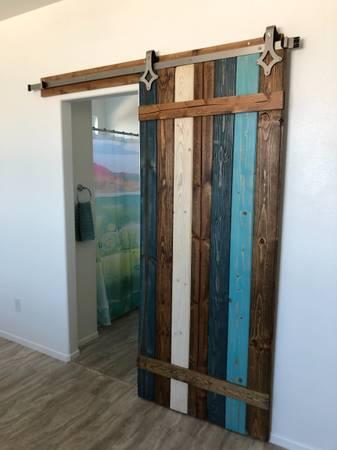 Photo Matching Sliding Barn Door  Queen Headboard (Ridgecrest) - $80 (Ridgecrest)