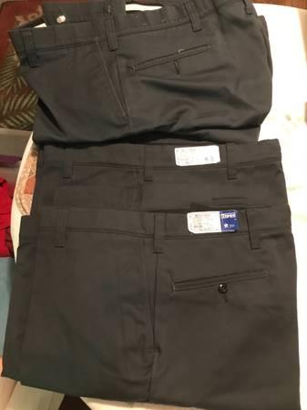Photo Mens work pants New42X30 - $5 (Tehachapi)
