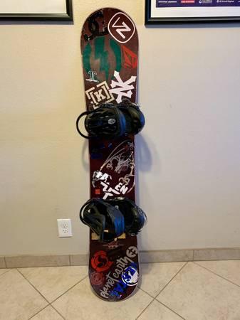 Photo Never Summer Snowboard  Burton Bindings - $299 (Bakersfield)