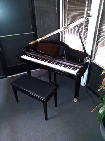 Photo Pearl River Mini Grand Digital Piano - $2,999 (Bakersfield)