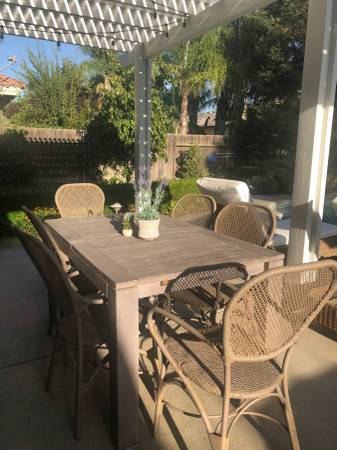 Photo Pottery Barn Extendable Outdoor Dining Table (quotIndioquot) - $250 (Bakersfield)