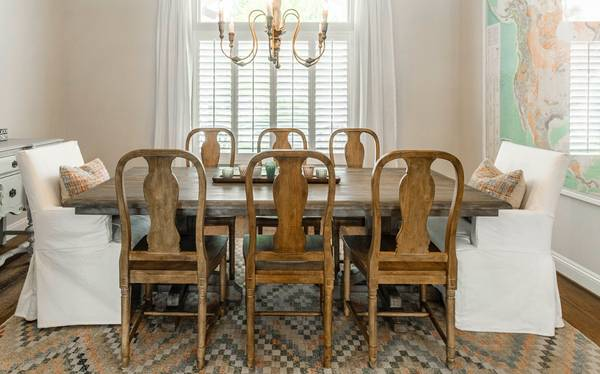 Photo Pottery Barn Linden Collection - Dining Room Table  Chairs - $1,000 (Bakersfield)