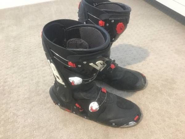 Photo SIDI MOTORCYCLE BOOTS - $150 (Bakersfield)