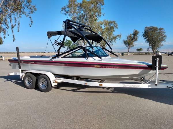 Photo Sanger DXII V8 Ski Boat - $22,000 (Bakersfield)
