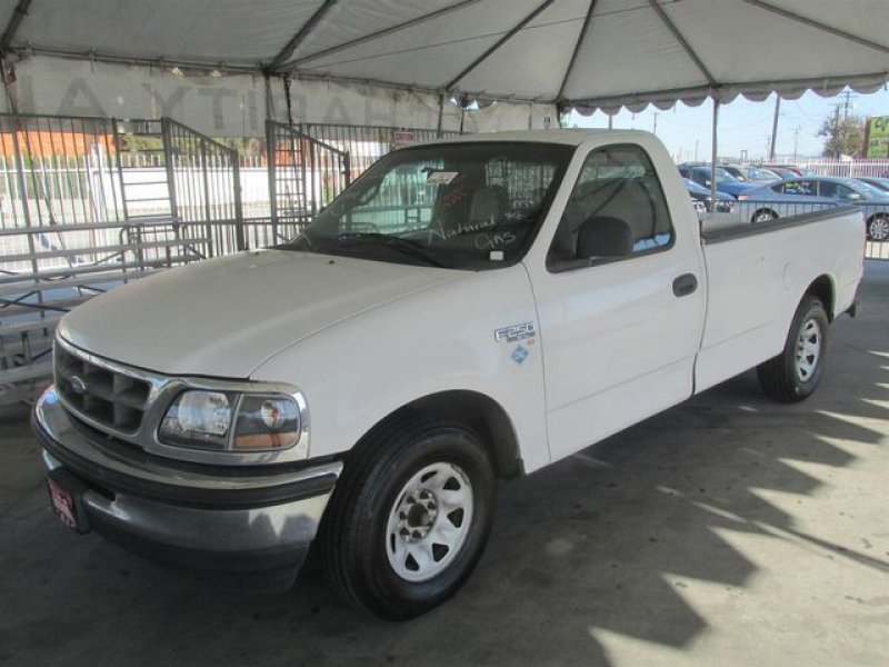 Photo Used 1997 Ford F250 XL for sale
