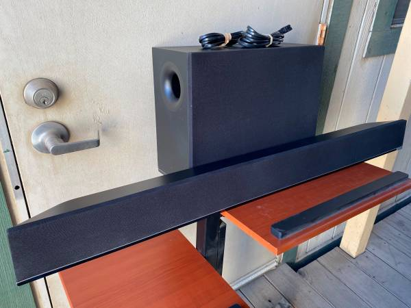 Photo VIZIO 5.1 42quot Sound Bar and Bluetooth Subwoofer Speaker System - $150 (Rosedale Hwy)