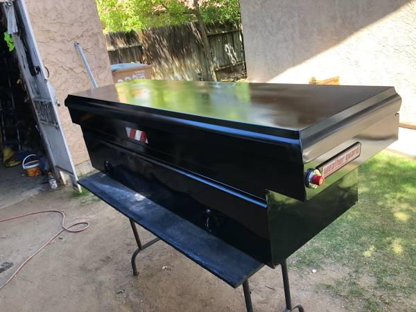 Photo Weather guard tool box with keys - $325 (Bakersfield)