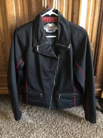 Photo Womens Harley Davidson jacket - $100 (Tehachapi)