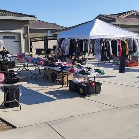 Photo Yard Sale April 10th.. 10802 twin falls drive 93312 - $5 (Bakersfield)