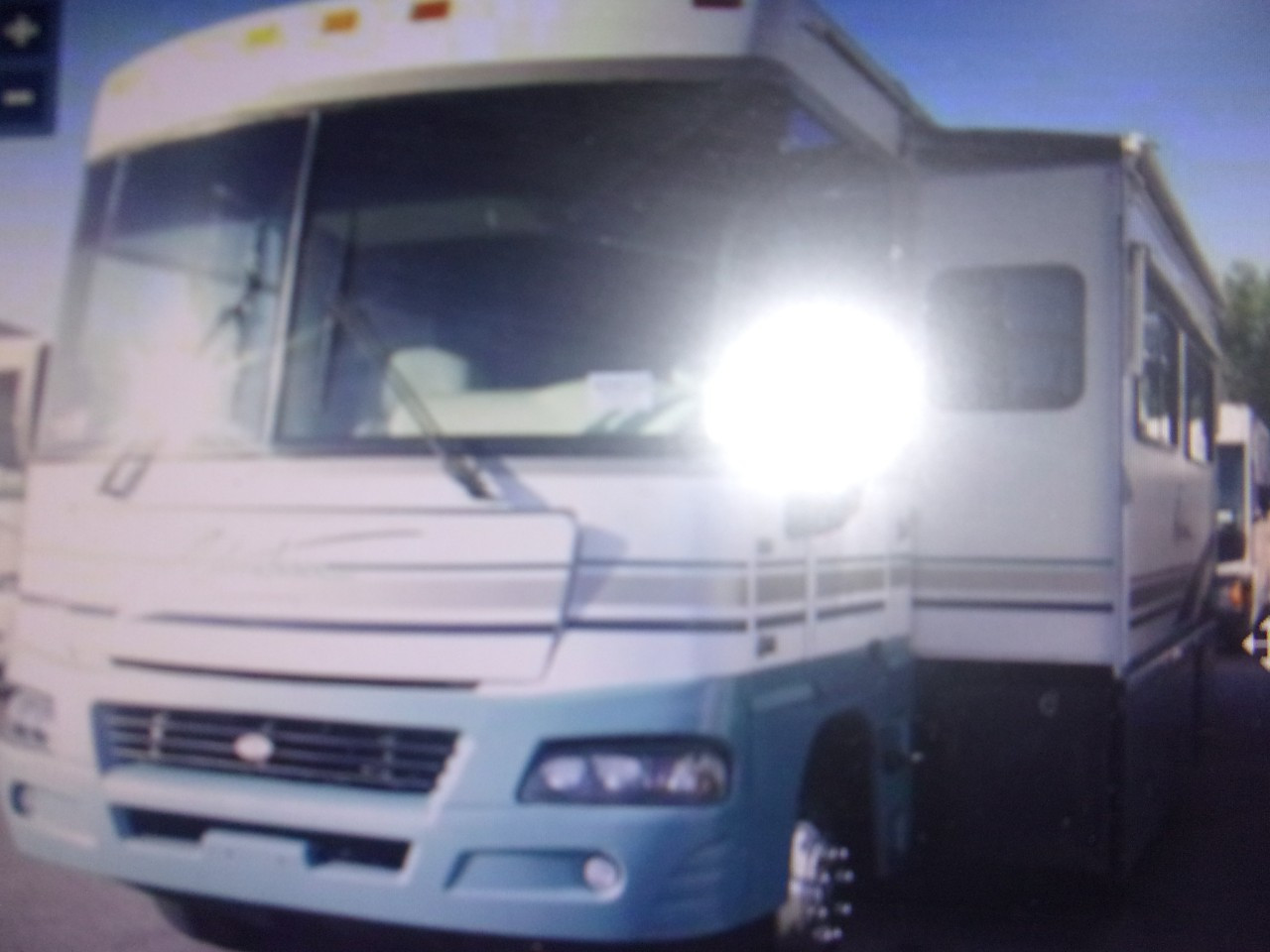 Photo 2004 Winnebago ADVENTURER 38G $ 35750