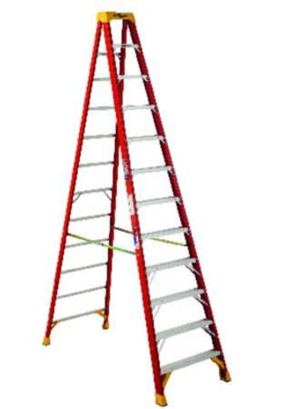 Photo 12-ft Step Ladder, Werner, fiberglass - $100 (GLENWOOD)