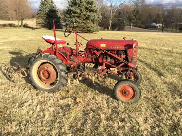Photo 1955 Farmall Cub Tractor with cultivators fasthitch - $3200 (Shrewsbury Pa)