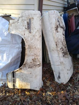 Photo 1966 Cyclone front fenders, used - $450 (Millersville)