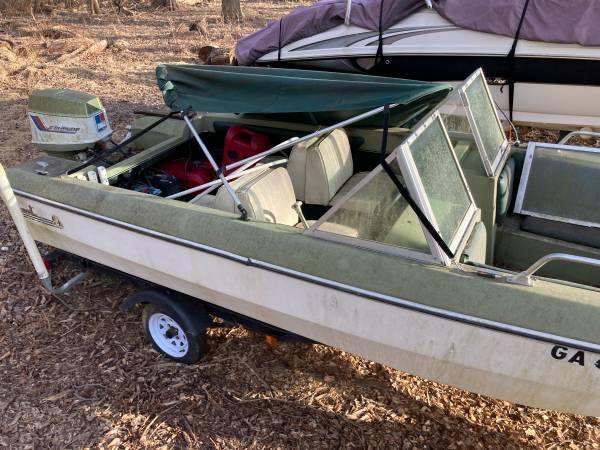 Photo 1972 Newman Citation Tri-hull Boat w Trailer - $1,000 (Clarksville)