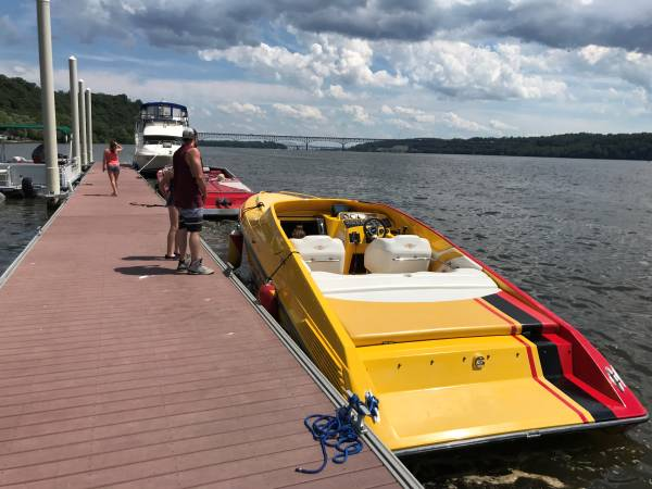 Photo 1996 2939 WELLCRAFT SCARAB P-29  40TH Anniversary Edition - $39000 (West Chester PA)