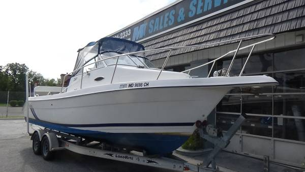 Photo 2000 Cobia 260 Walkaround - $18,995 (MM Boat Sales and Service)
