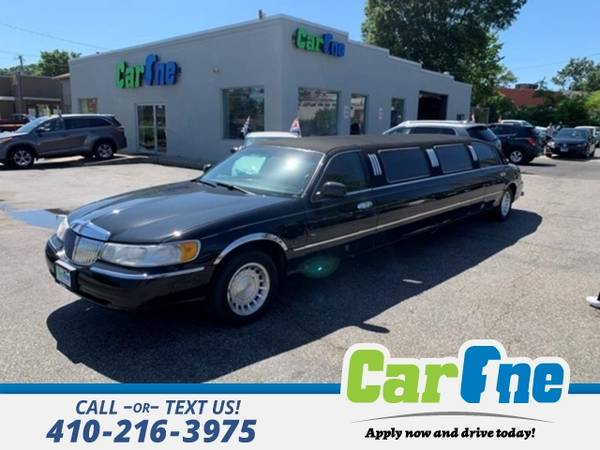 Photo 2000 Lincoln Town Car Executive 4dr Sedan w Limousine Builder - $6988 (_Lincoln_ _Town Car_ _Sedan_)