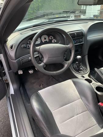 Photo 2003 Mustang SVT Cobra - $28,000