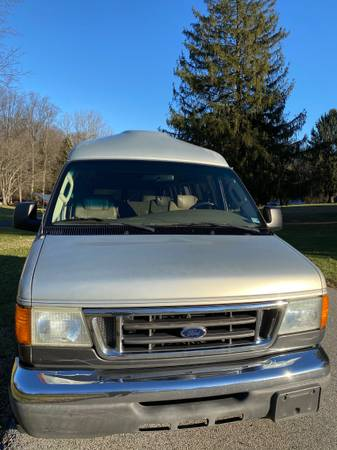 Photo 2004 Ford E-150 Econoline Conversion Van Hightop Roof - $8,500 (Glen Burnie)