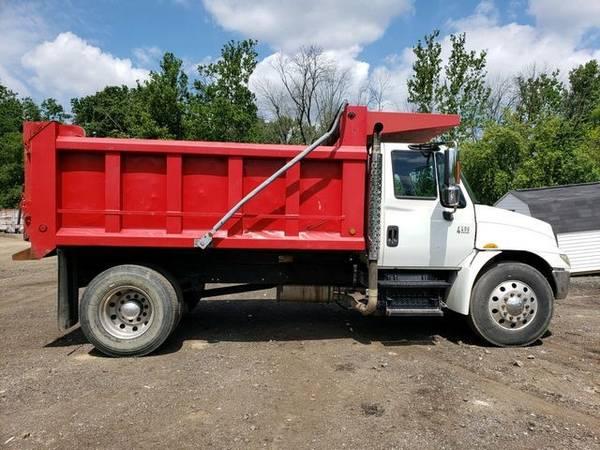 Photo 2004 International 4400 1239 Dump Truck RTR 0063884-01 - $23,000 (Essex)