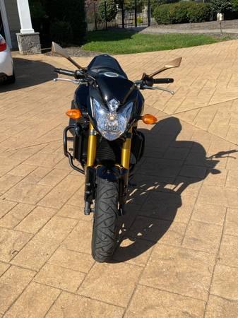 Photo 2011 Yamaha FZ8 - $4,300 (Sykesville)