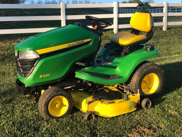 Photo 2015 John Deere X320 Lawn Mower Garden Tractor - $2,900 (Forest Hill, MD)