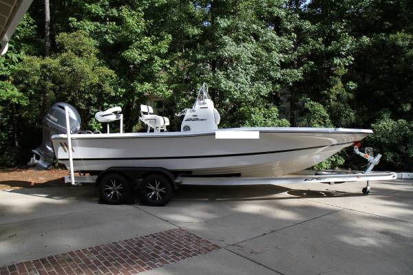 Photo 22ft Bay Boat w Yamaha 200hp Center Console - $19,000 (Baltimore,MD)