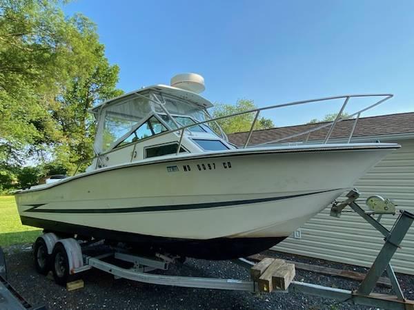 Photo 2500 Hydrasport Walk around - $19,000 (Middle River)
